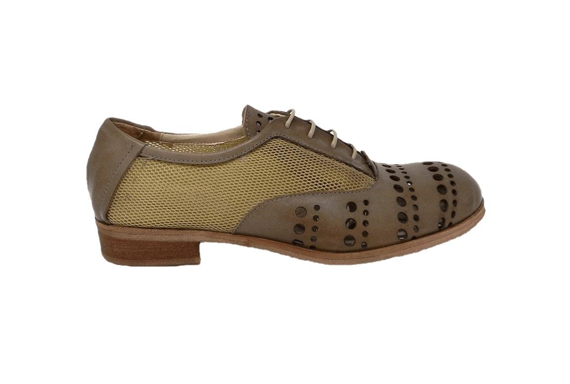 Zamknięte buty damskie skórzane, z krawędziami z tkaniny w sieci - ciemno-szary - 1
